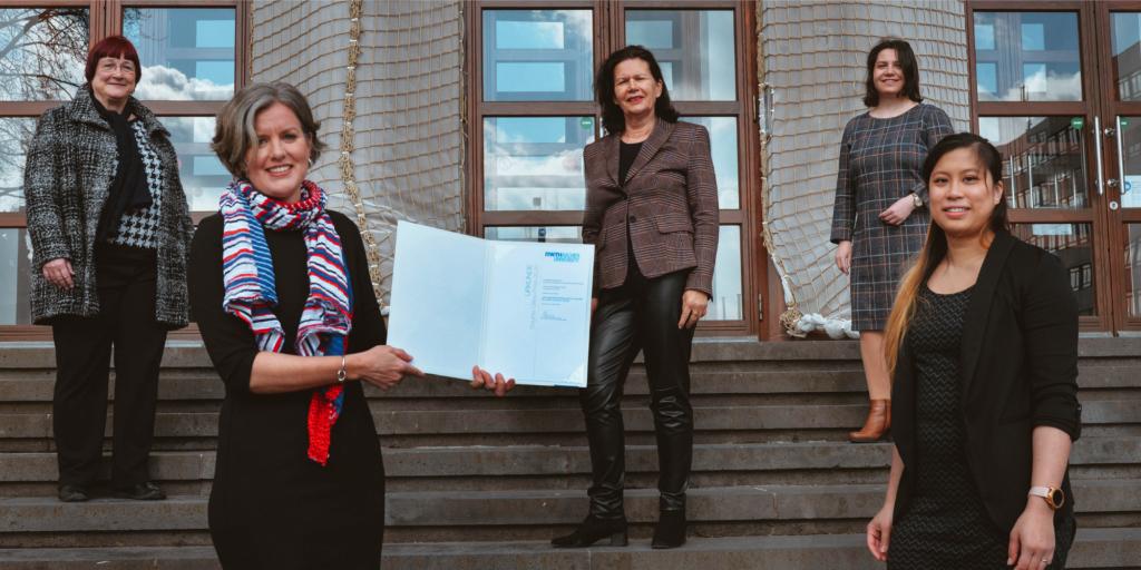 Preisträgerinnen des Brigitte Gilles Preises - Prof. Janina Fels und Karin Loh