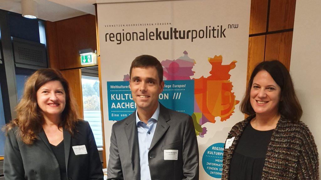 Die Veranstaltenden der Kulturkonferenz mit dem Geschäftsführer des IT Centers (v.l.n.r.): Susanne Ladwein, Daniel Bündgens und Julia Schaadt.