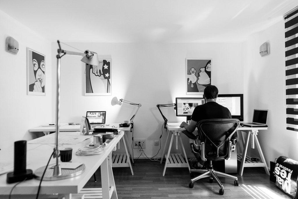 Home Office & Kommunikation - ohne geht es nicht (Bild: pixabay.com)