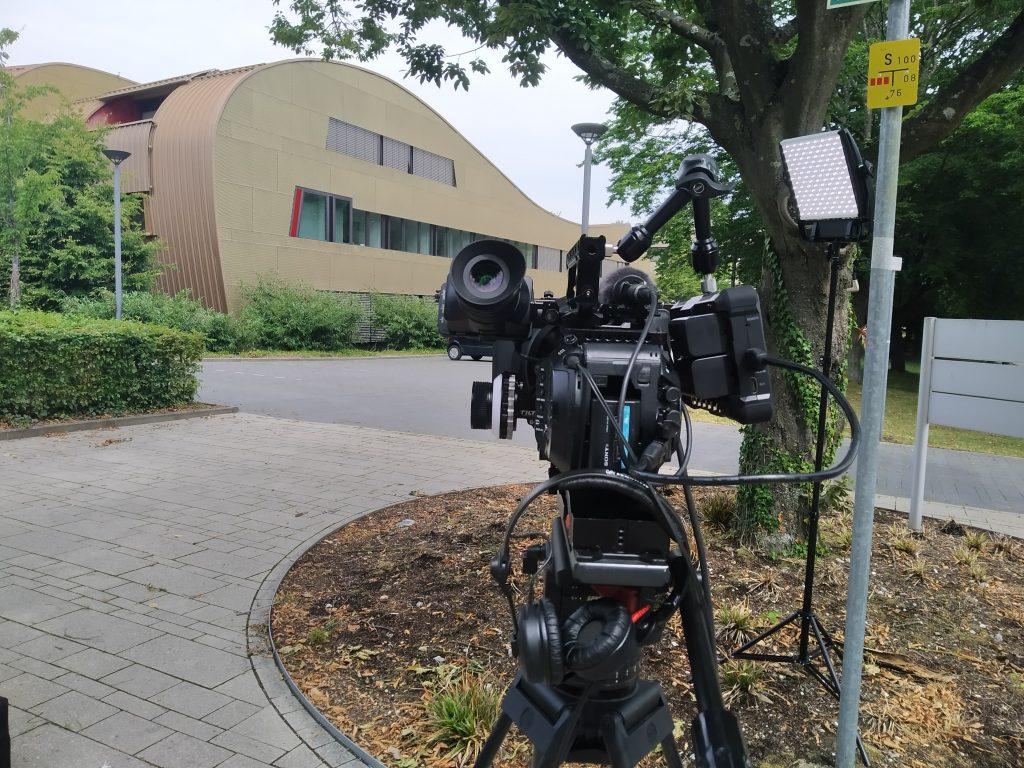 Kamera mit IT Center Gebäude