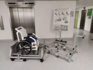 Petra-Plattform zum Rollstuhltransport
